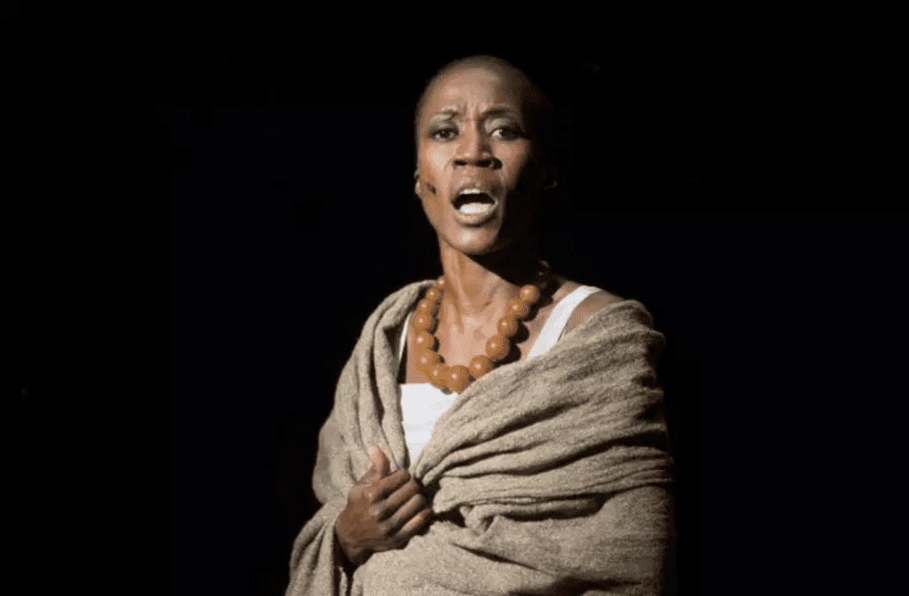 La chanteuse Rokia Traoré à Aix-en-Provence, en France, le 3 juillet 2018. BERTRAND LANGLOIS : AFP